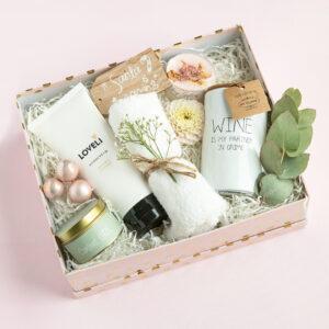 Schoonheidssalon Leonie Natural gifts giftbox loveli gift cadeau natuurlijk