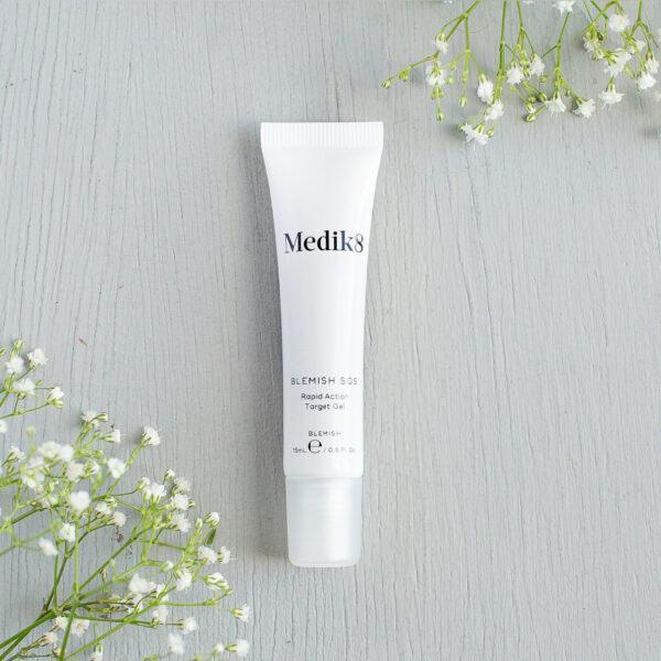 Blemish SOS Medik8 | acne | huidprobleem | schoonheidssalon Leonie | Limburg | Nieuwstadt