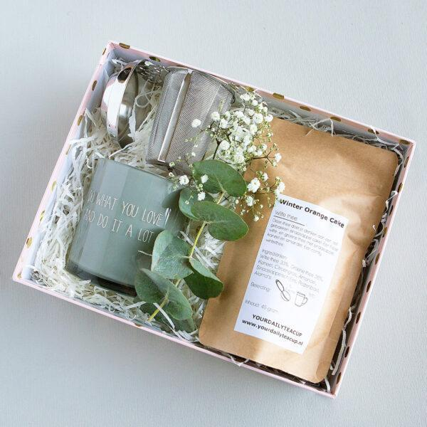 Schoonheidssalon Leonie | Nieuwstadt|speciaal cadeau Giftbox | thee gift |natural giftbox