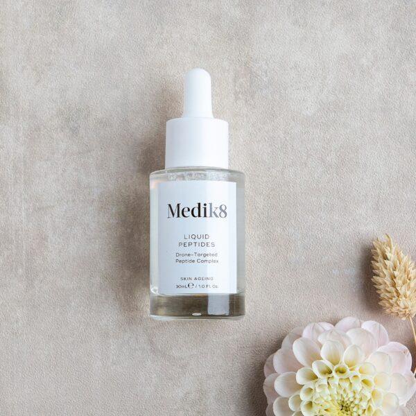 Liquid Peptides Medik8 | anti aging | tegen rimpels | Schoonheidssalon Leonie| Nieuwstadt | Limburg